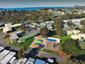 Victor Harbor Holiday  Cabin Park - Accommodation in Surfers Paradise