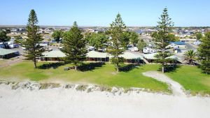 Wallaroo Holiday Park - Accommodation in Surfers Paradise