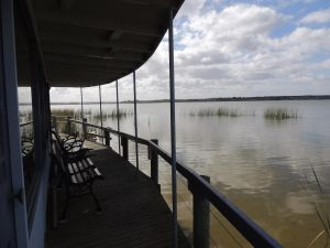 PS Federal Retreat Paddle Steamer Goolwa - Accommodation in Surfers Paradise