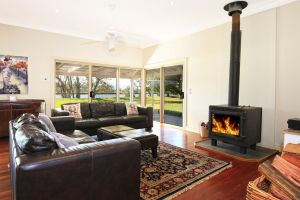 Terara Riverside Retreat - Accommodation in Surfers Paradise