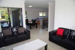 Breakaway 11 Scott Street - Accommodation in Surfers Paradise