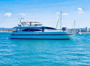 Million dollar Luxury 90ft yacht in Gold Coast - Accommodation in Surfers Paradise