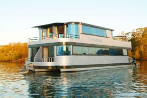 Coomera Houseboats - Accommodation in Surfers Paradise