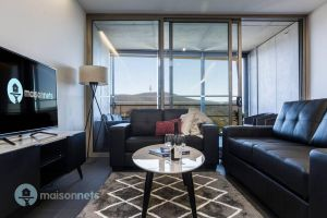 1 Bedroom Apt With Parking Walk to ANU - Accommodation in Surfers Paradise